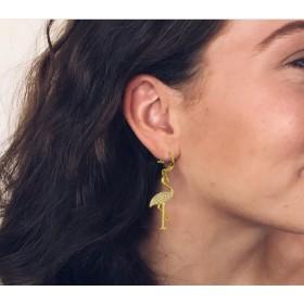 Version doré de la paire de boucle d'oreille