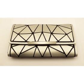 Portefeuille argenté à motif diamants